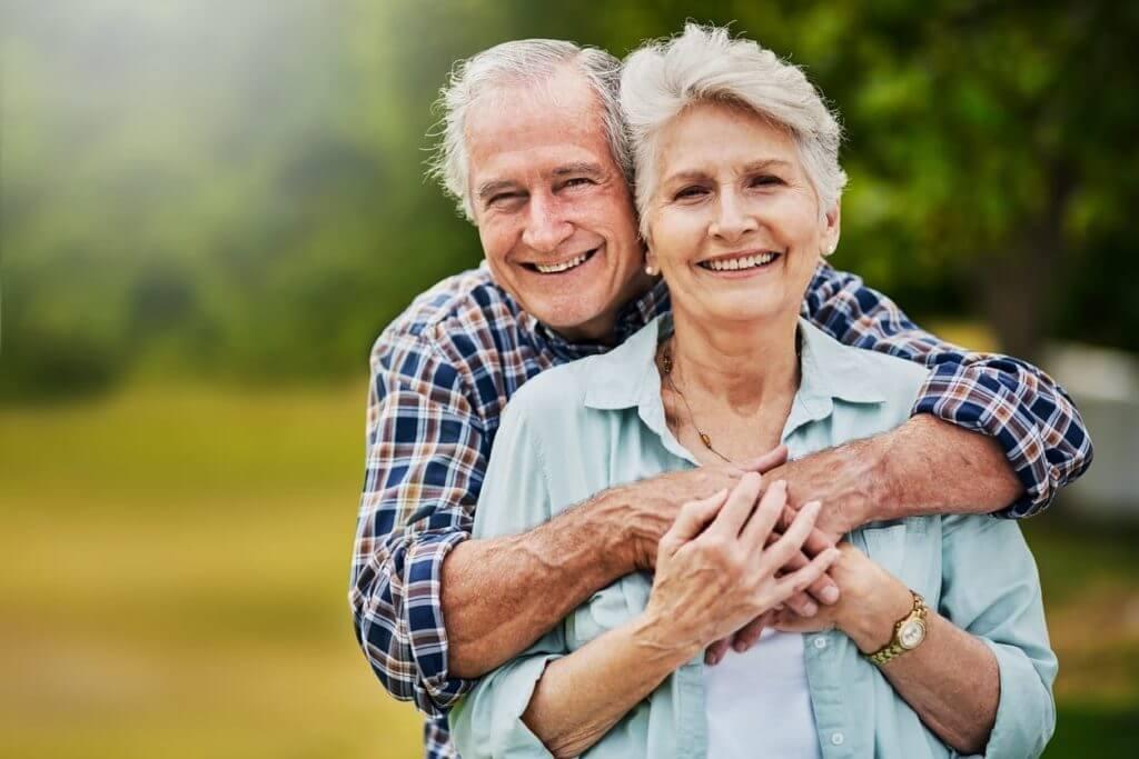 膝の痛みが改善した老夫婦